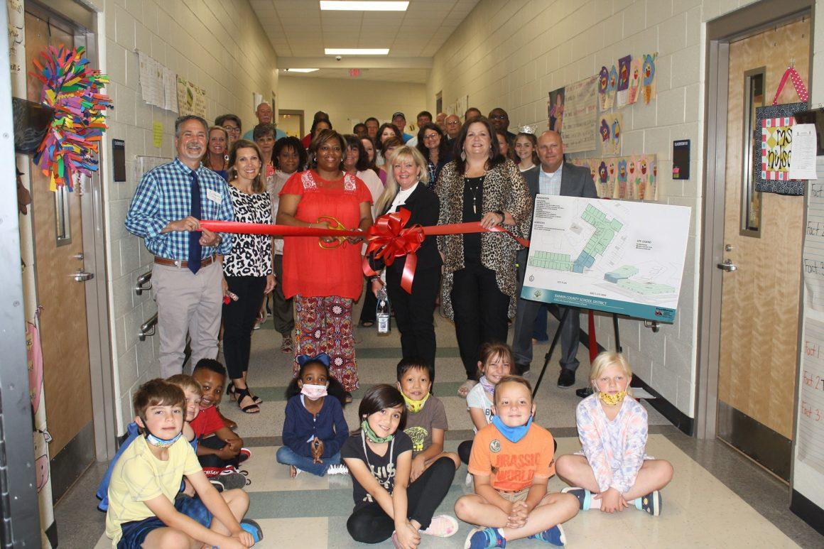 Richland Elementary School Hold Ribbon Cutting Ceremony