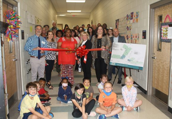 Richland Elementary School Hold Ribbon Cutting Ceremony